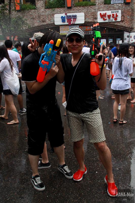 130727 watergun festival sinchon seoul - HANA-Muv.com- (10)