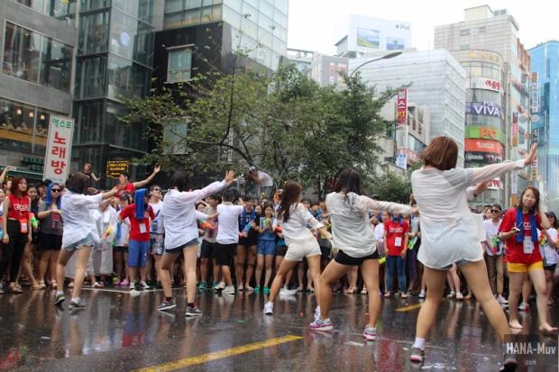 130727 watergun festival sinchon seoul - HANA-Muv.com- (11)