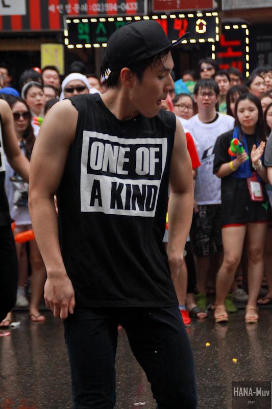 130727 watergun festival sinchon seoul - HANA-Muv.com- (12)