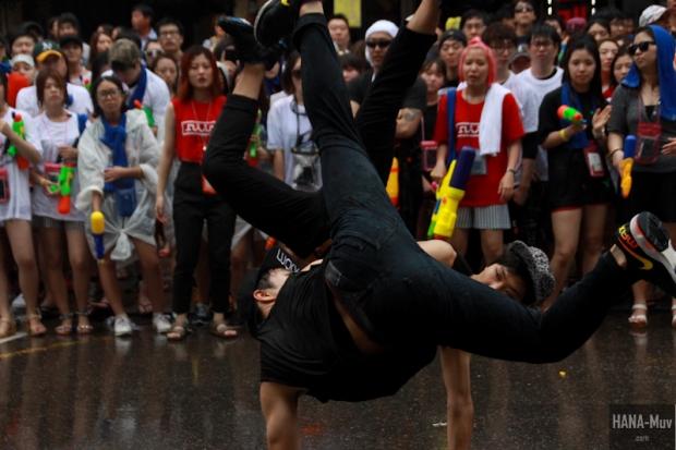 130727 watergun festival sinchon seoul - HANA-Muv.com- (13)